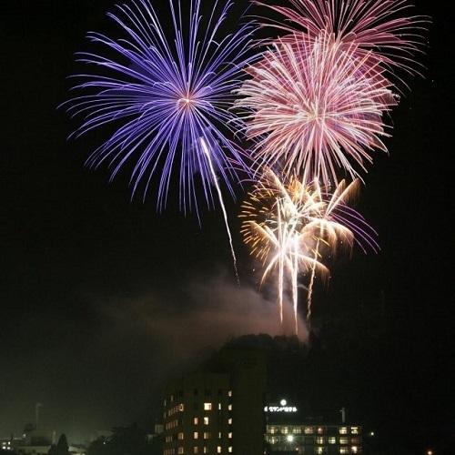 8月18日は毎年恒例の花火大会♪