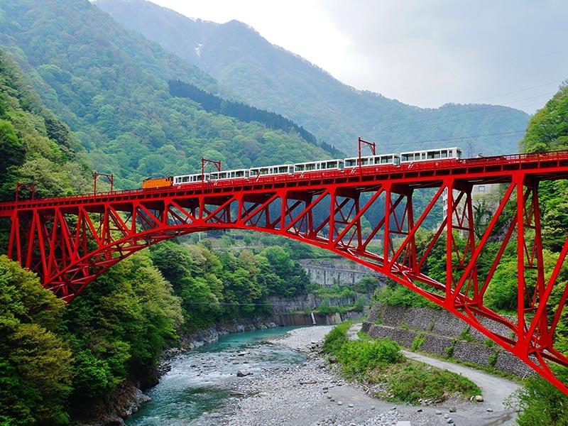黒部峡谷鉄道(トロッコ電車)