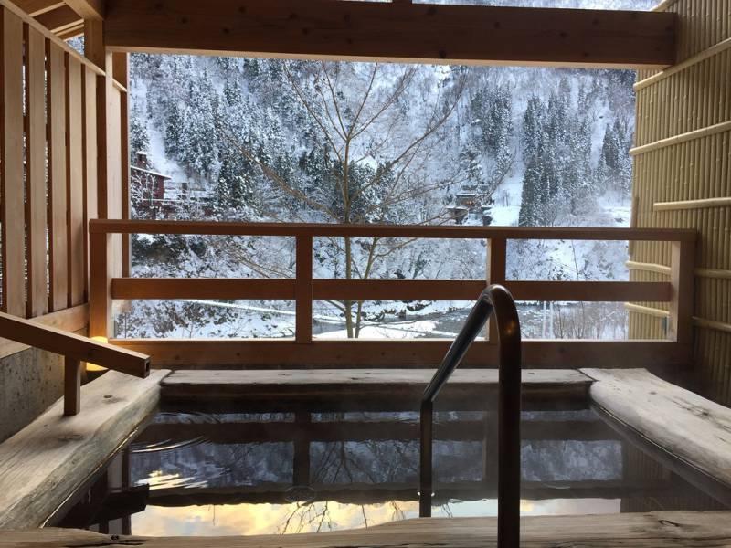 【鏡写しの雪景色が乙ですねぇ】